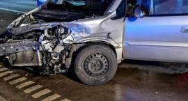 Dwie osoby ranne w zderzeniu dwóch aut