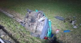 Zderzenie osobówki z ciężarówką na A4. Oba auta w rowie.