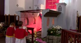 Grób pański nawiązujący do spalonej katedry Notre Dame we wrocławskim kościele