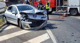 Zderzenie czterech aut na zjeździe z A4 na AOW