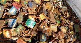 Z mostu Tumskiego zdjęto już 9 ton kłódek
