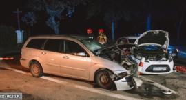 Zderzenie dwóch Fordów na skrzyżowaniu między Ząbkowicami Śląskimi a Stoszowicami