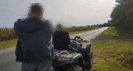 Nietrzeźwy mężczyzna wiózł swojego syna na quadzie. Został zatrzymany przez wrocławskich policjantów