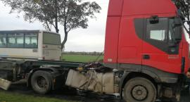 Ciężarówka wypadła z drogi