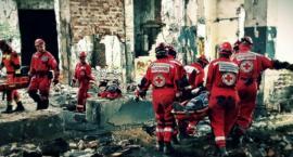 Symulacja katastrofy budowlanej w Malczycach. Ratownicy z całej Polski ćwiczyli w ruinach fabryki