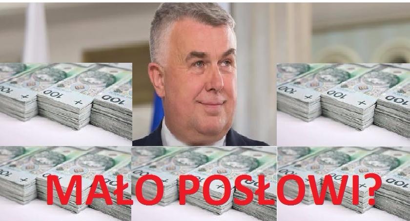 Polityka, Mało posłowi - zdjęcie, fotografia