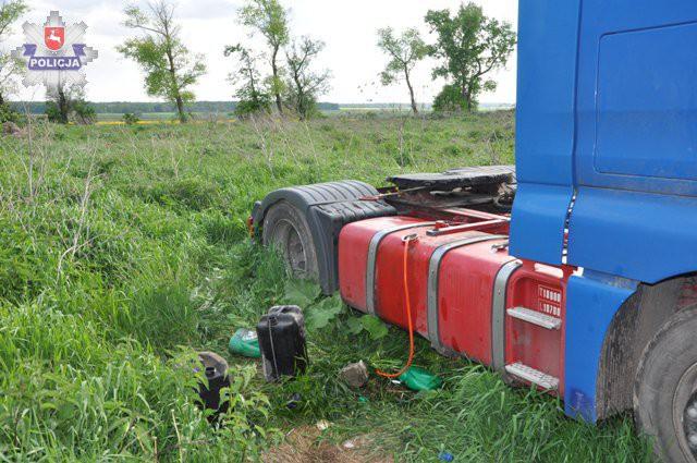 Region, Kradli paliwo ciężarówki - zdjęcie, fotografia