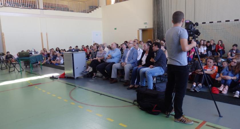 Edukacja, Gmina Kowala Prezentacja filmu dokumentalnego Marii Walewskiej Kuźnickich [FOTO] - zdjęcie, fotografia