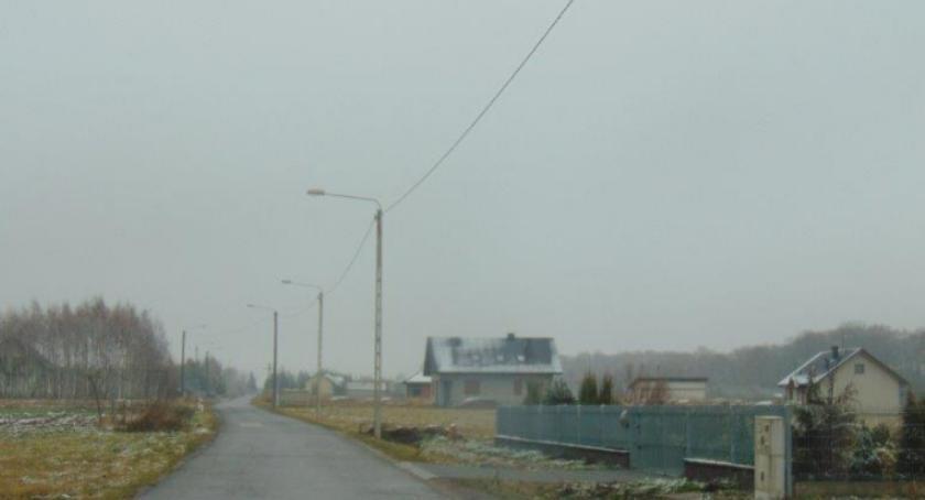 Inwestycje, Budowa oświetlenia terenie gminy Kowala [FOTO] - zdjęcie, fotografia