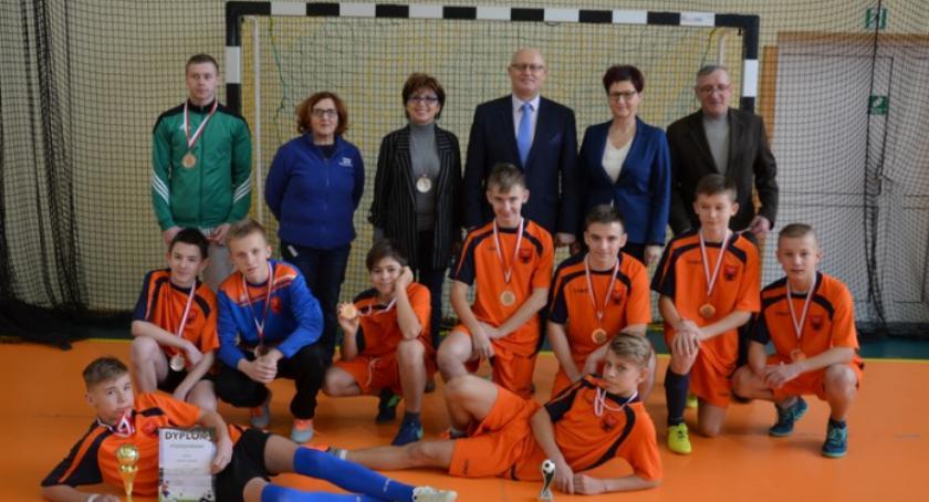 Sport, Gminny Turniej Halowej Piłki Nożnej KOWALA [FOTO] - zdjęcie, fotografia