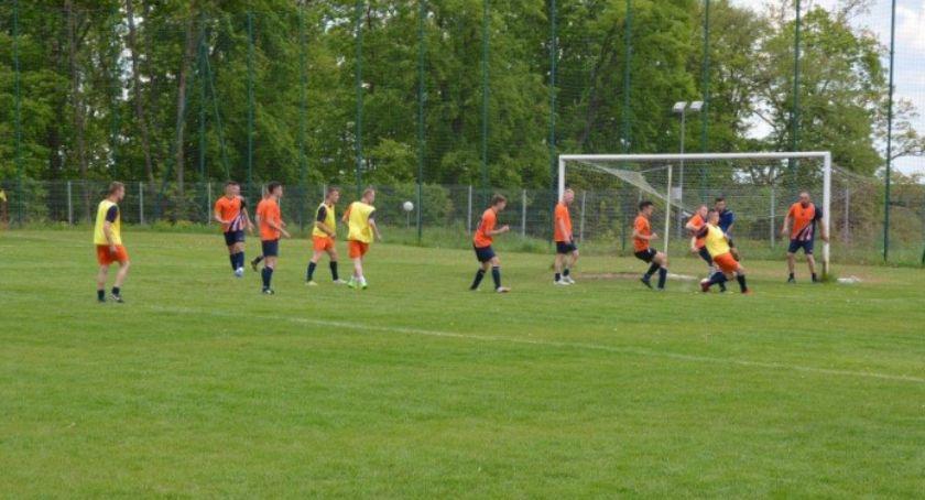 Sport, Inauguracja Turniej Piłki Nożnej Mężczyzn oPuchar Przechodni Wójta Gminy Kowala KOWALA [FOTO] - zdjęcie, fotografia