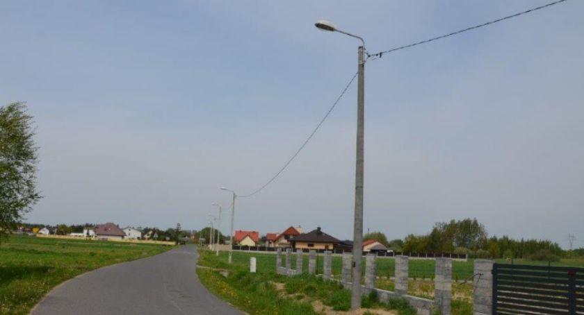 Inwestycje, Rozbudowa oświetlenia ulicznego Mazowszany [FOTO] - zdjęcie, fotografia
