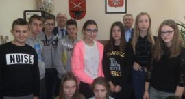 Wizyta uczniów w Urzędzie Gminy w Kowali [FOTO]