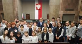 Uczniowie z Młodocina Mniejszego z wizytą w Sejmie RP i Muzeum Wojska Polskiego [FOTO]