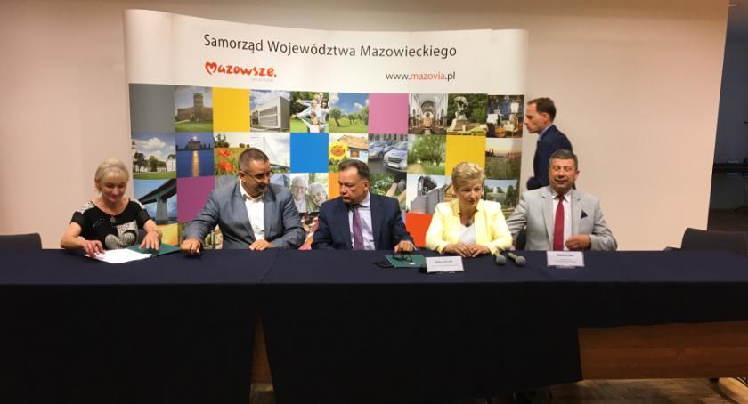 Inwestycje, tysięcy złotych modernizację obiektu sportowego Umowa podpisana - zdjęcie, fotografia