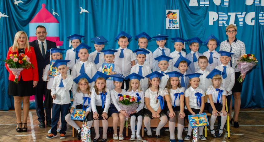 Edukacja, Szkolna Przygodo!… czyli ślubowaniu uczniów klasy pierwszej - zdjęcie, fotografia