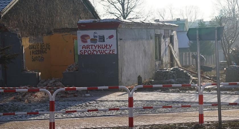 Aktualności, Rozbiórka gminnego budynku placu [FOTO] - zdjęcie, fotografia