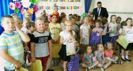 """""""Humor, zdrowie i zabawa w utworach Jana Brzechwy"""". Międzyprzedszkolny Konkurs Plastyczny [FOTO]"""