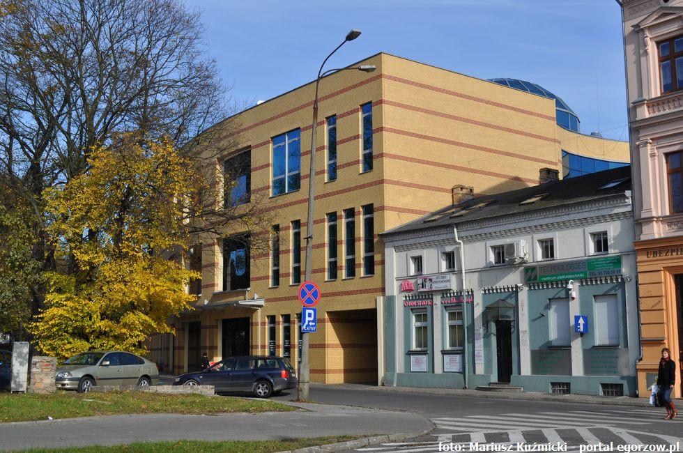 Inwestycje infrastruktura, Zakończył remont Biblioteki Publicznej Zbigniewa Herberta - zdjęcie, fotografia