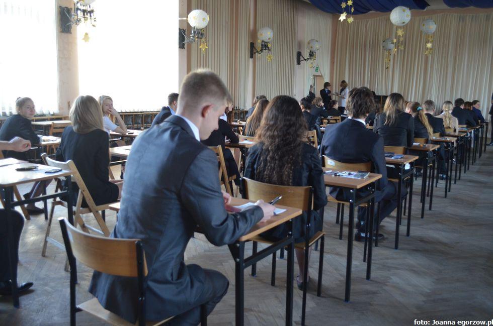 Szkoły - edukacja , Kurator Oświaty reformie edukacji - zdjęcie, fotografia