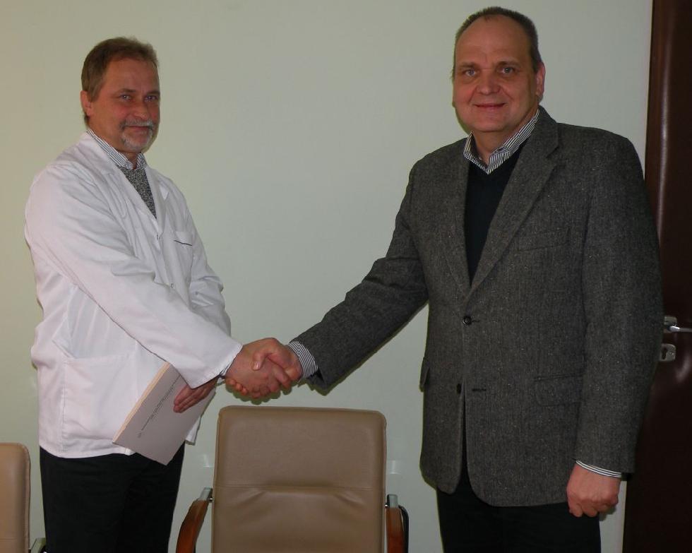 Szkoły - edukacja , kierownik Oddziału Laryngologii - zdjęcie, fotografia