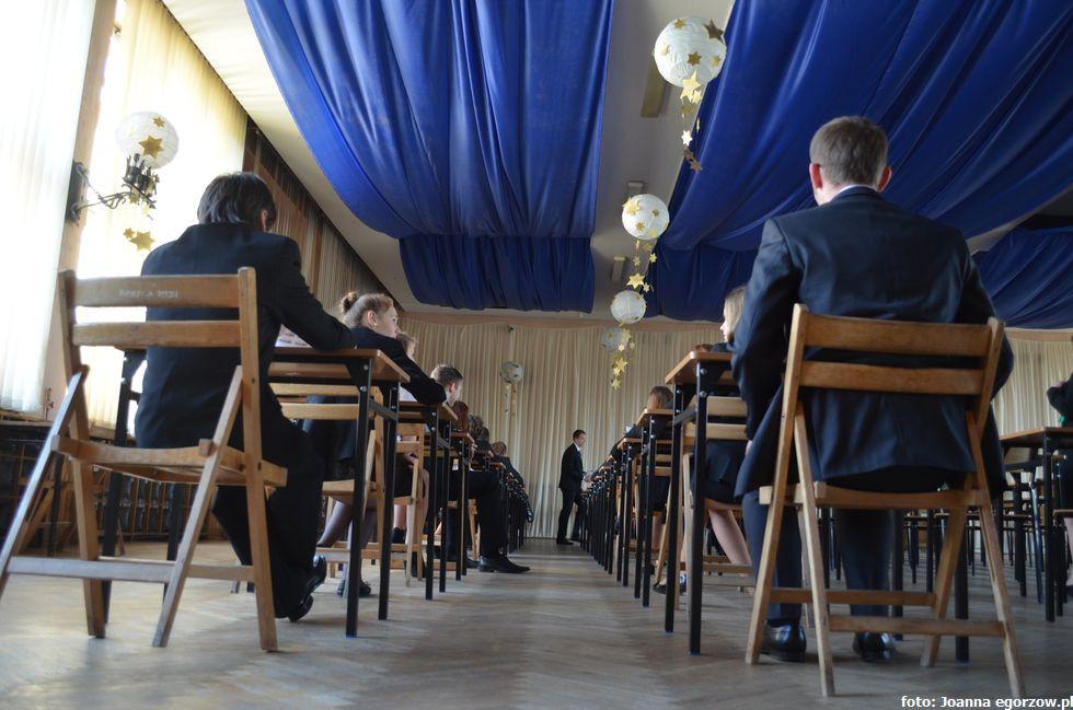 Szkoły - edukacja , Dobre wyniki gimnazjalistów - zdjęcie, fotografia