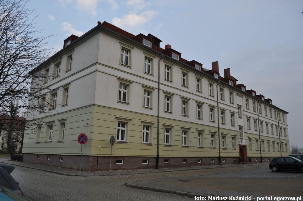 Szkoły - edukacja , Najpierw językoznawstwo później ekonomia Akademii Gorzowskiej - zdjęcie, fotografia