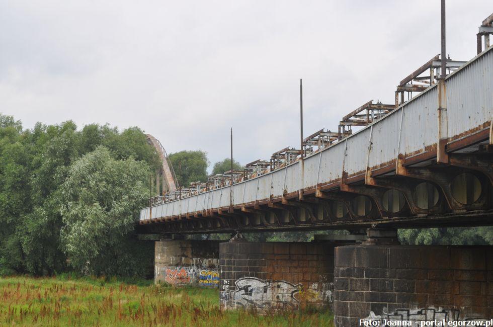 Inwestycje infrastruktura, Magistrat projekt remontu kładki moście żelaznym - zdjęcie, fotografia
