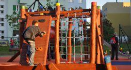 40 osób odnowiło podwórka przy ulicach 30 stycznia i Łokietka