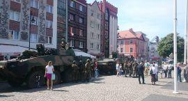 Na Starym Rynku pojawili się żołnierze