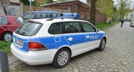 W Zdroisku pod Gorzowem po godz. 1 w nocy kierowca busa marki Renault uderzył w drzewo