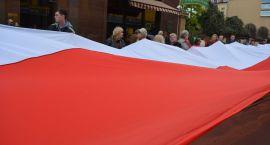 W obchodach święta Dnia Flagi wzięła udział minister Elżbieta Rafalska wraz Władysławem Dajczakiem