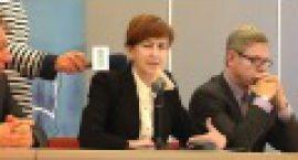 15.11 na urzędników, przy Sikorskiego czekała kandydatka z ramienia PiS na prezydenta Gorz