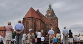 Kibice ofiarowali ponad 14 tysięcy złotych na odbudowę katedry!