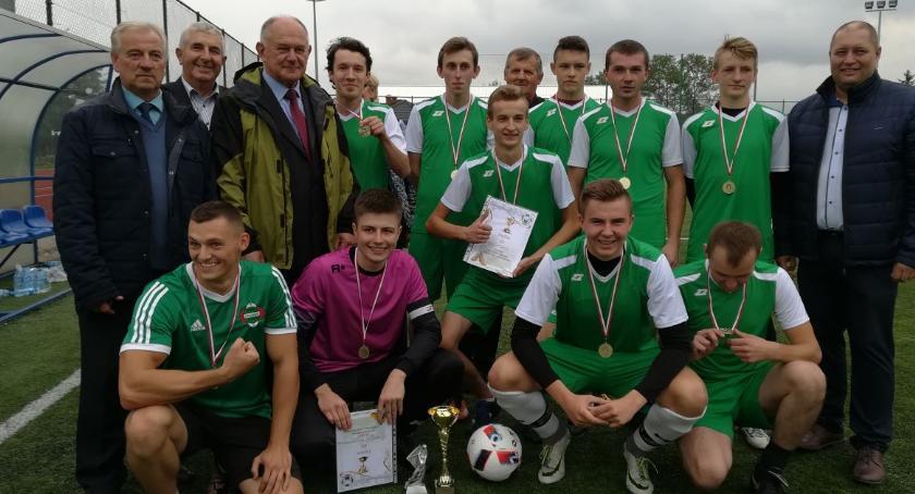 Sport inne , Piłkarze walczyli Puchar Wójta Gminy Wolanów - zdjęcie, fotografia