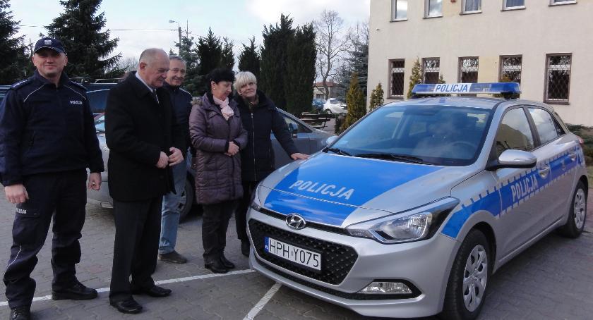 Informacje  z Wolanowa i okolic, Gmina Wolanów dofinansowała zakup radiowozu - zdjęcie, fotografia