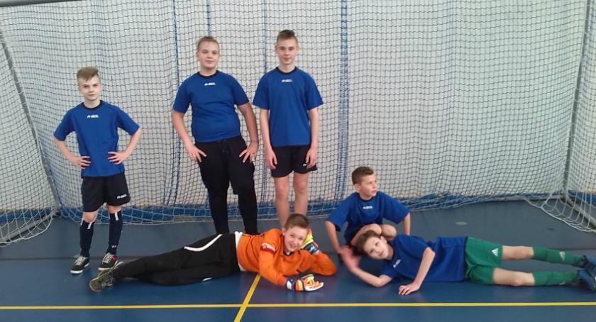 Szkoły przedszkola Wolanów i okolice , Gminne zawody piłkę nożną - zdjęcie, fotografia