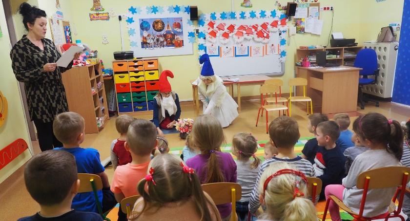 Szkoły przedszkola Wolanów i okolice , Smerfy Sławnie - zdjęcie, fotografia