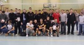 Wygrana Juniorów GKS Wolanów na turnieju w Parznicach