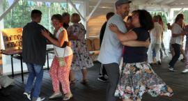 Letnie potańcówki w stylu ludowym na Gościńcu