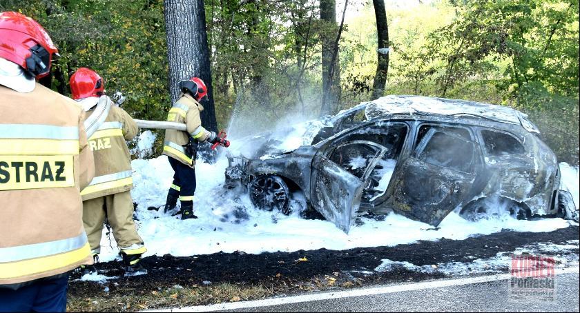 Pożary i straż, Volvo płomieniach - zdjęcie, fotografia
