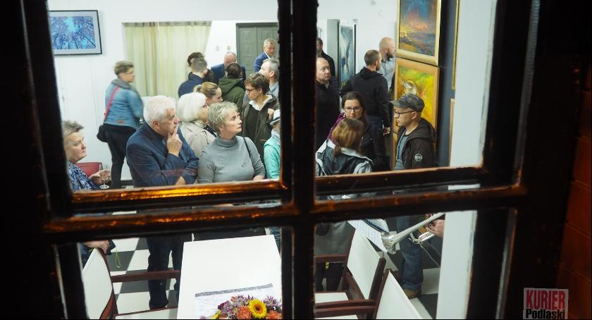 Wernisaże - spotkania, Galeria centrum miasta - zdjęcie, fotografia