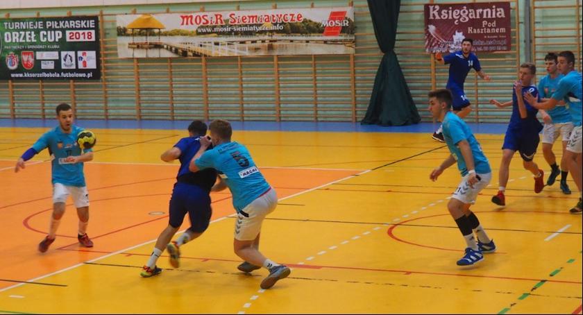 Piłka ręczna, Siemiatycze kontra Szczypiorniak Dąbrowa Białostocka - zdjęcie, fotografia