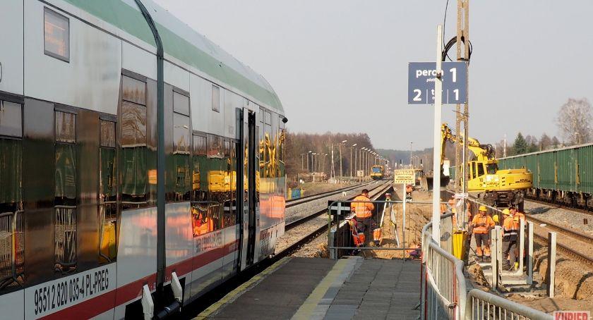 Administracja, Idzie podróżach koleją Siemiatycz - zdjęcie, fotografia