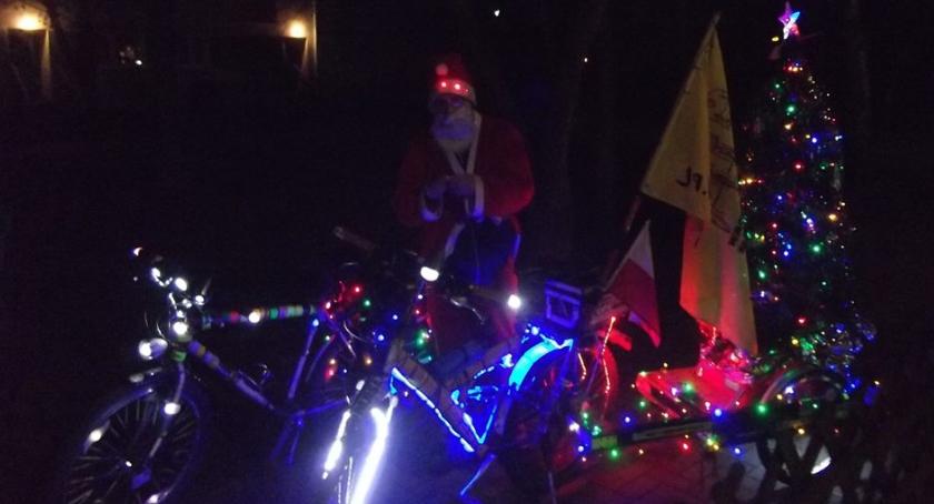 Rower, Świąteczny przejazd Warszawskiej Krytycznej mogą wystąpić utrudnienia ruchu - zdjęcie, fotografia