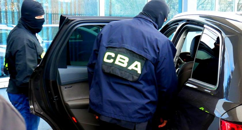 Polityka, Afera reprywatyzacyjna zatrzymało pięć osób znanego adwokata warszawskiego urzędnika - zdjęcie, fotografia