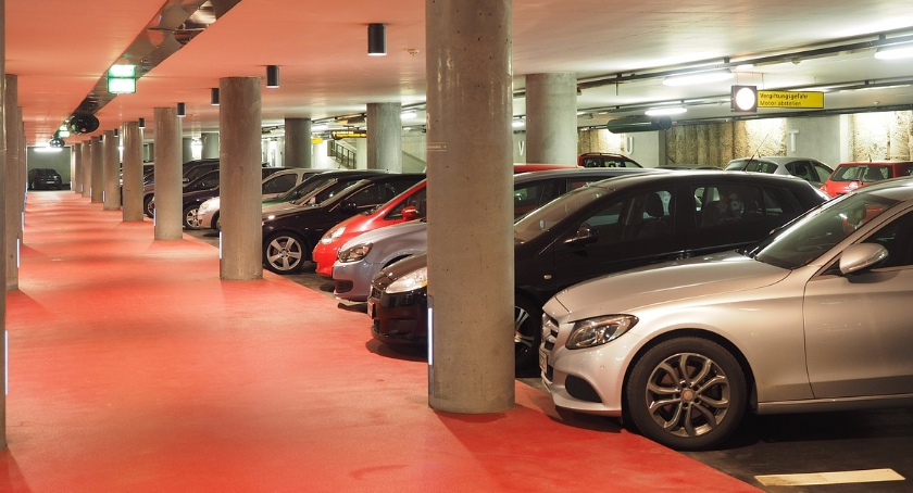 Drogi, rozwiązać problem parkowaniem mieście - zdjęcie, fotografia