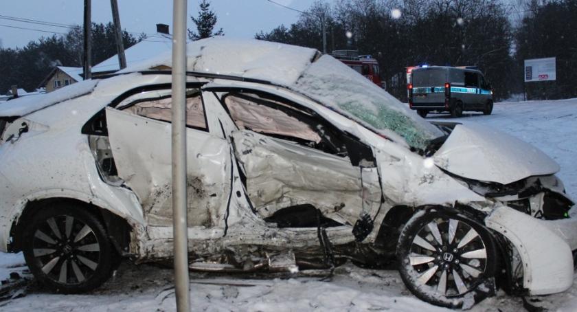 Wypadki, Policja apeluje ostrożność drogach publikuje zdjęcia wypadku Wołominie - zdjęcie, fotografia