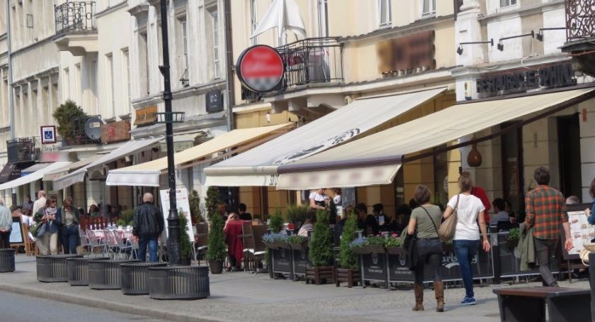 Handel i usługi, Wracają ogródki kawiarniane - zdjęcie, fotografia