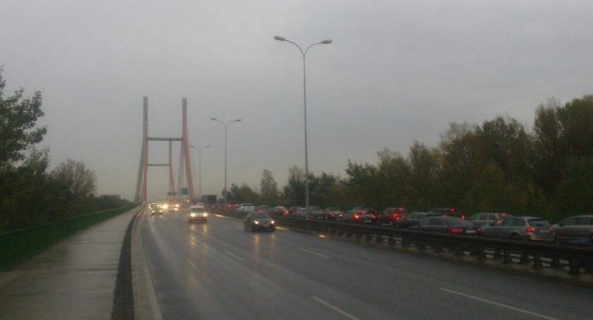 Drogi, Wypadek Trasie Siekierkowskiej ogromne korki Miasto sparaliżowane - zdjęcie, fotografia